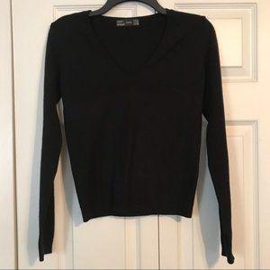 ZARA Women's Black Medium V-Neck Sweater